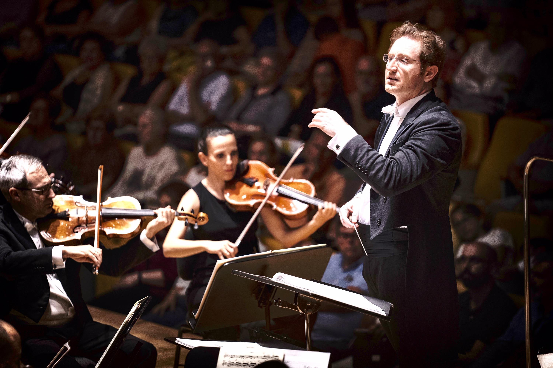 Tebar trató de huir del tópico en la programación del concierto institucional del Nueve de Octubre en Valencia