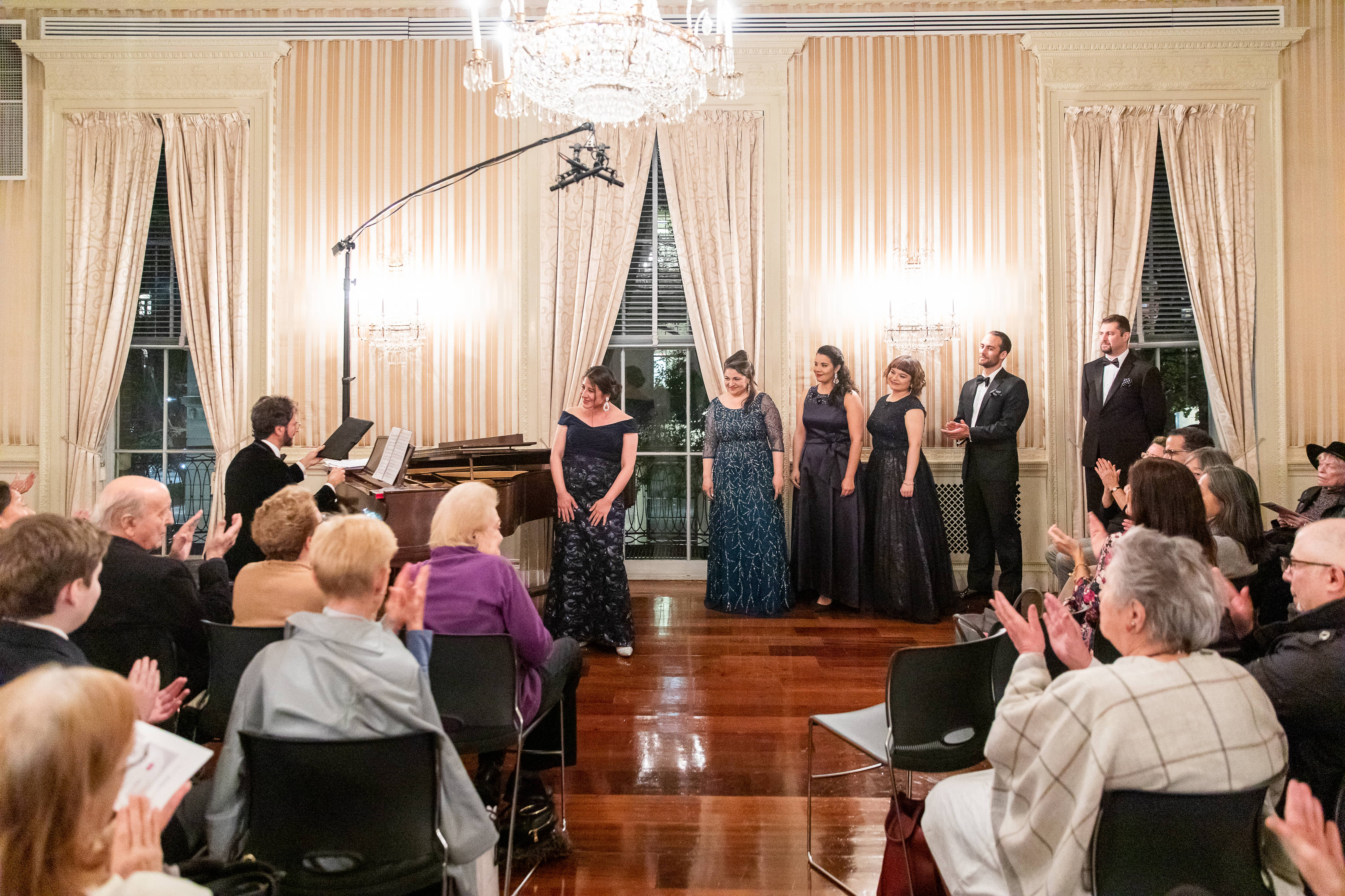 Las voces jóvenes del Colón de Buenos Aires ofrecen un recital de ópera en Nueva York