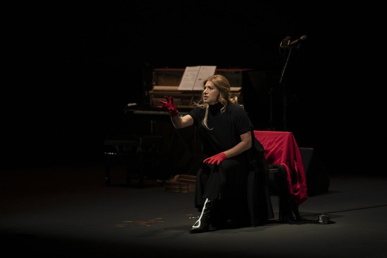 Israel Galván, como Eduarda de los Reyes, en El amor brujo. Foto- David Mudarra