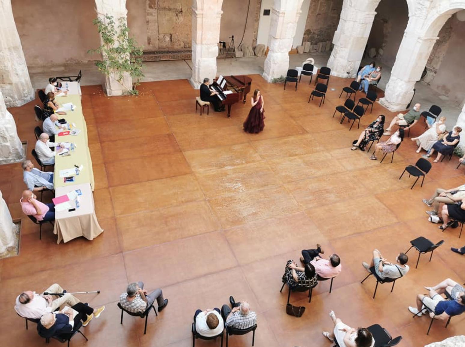 Otro momento del Concurso de Canto 'Un Futuro DeArte' de Medinaceli, en el que tres jovenes sopranos resultaron ganadoras.