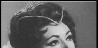 La soprano italiana Grabiella Tucci caracterizada como Elisabetta de Don Carlo.