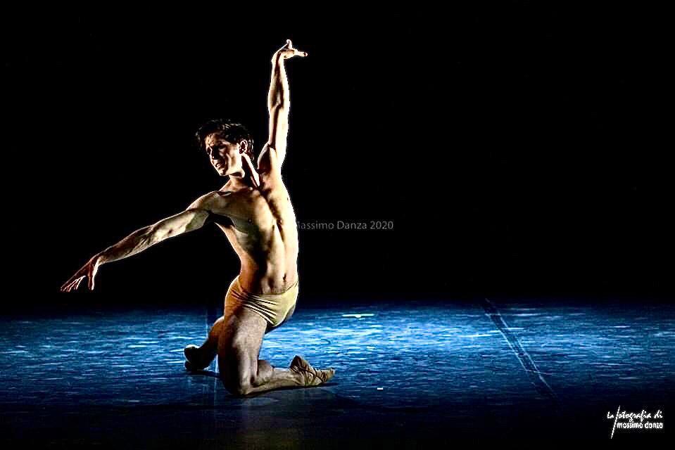 Ricardo Bernal en El Cisne, Foto: Massimo-Danza