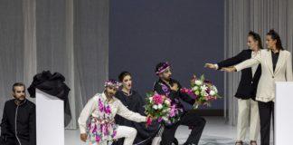 """Un """"Così fan tutte"""" en blanco y negro en Les Arts. Foto: Miguel Lorenzo"""