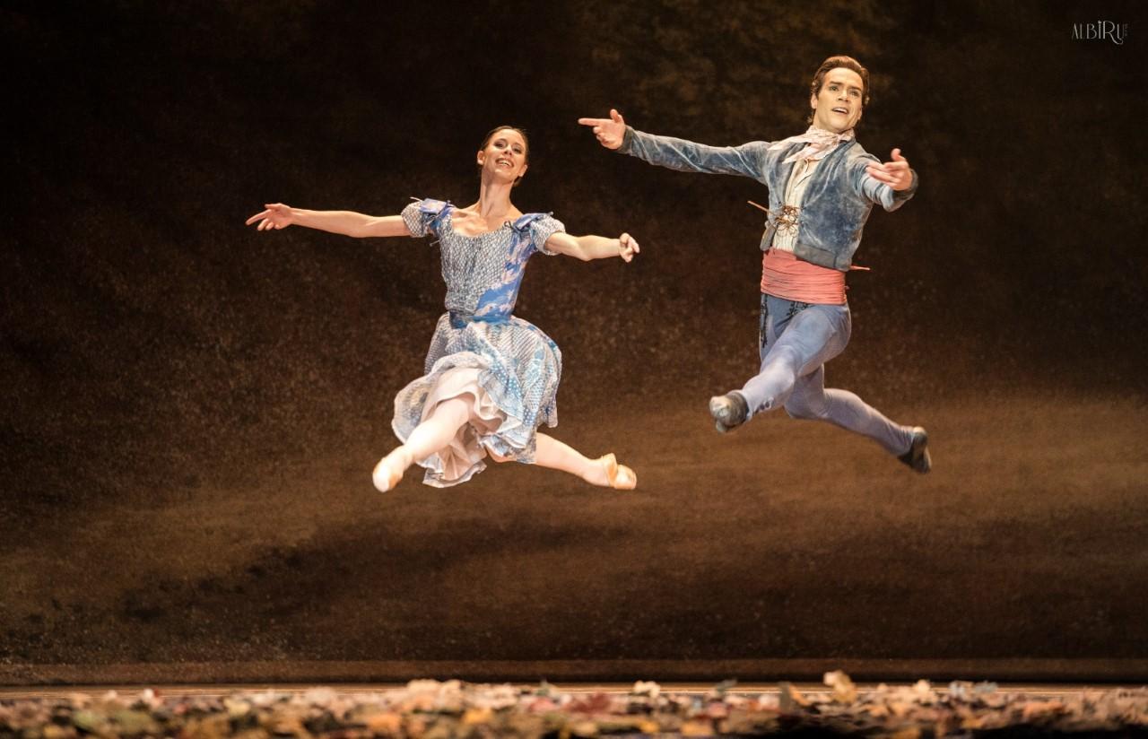 Badenes y García en el 1º acto de Giselle. Foto- Alba Muriel