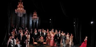 """Un momento de """"La traviata"""" que se verá esta noche en el Liecu. Foto: A. Bofill"""