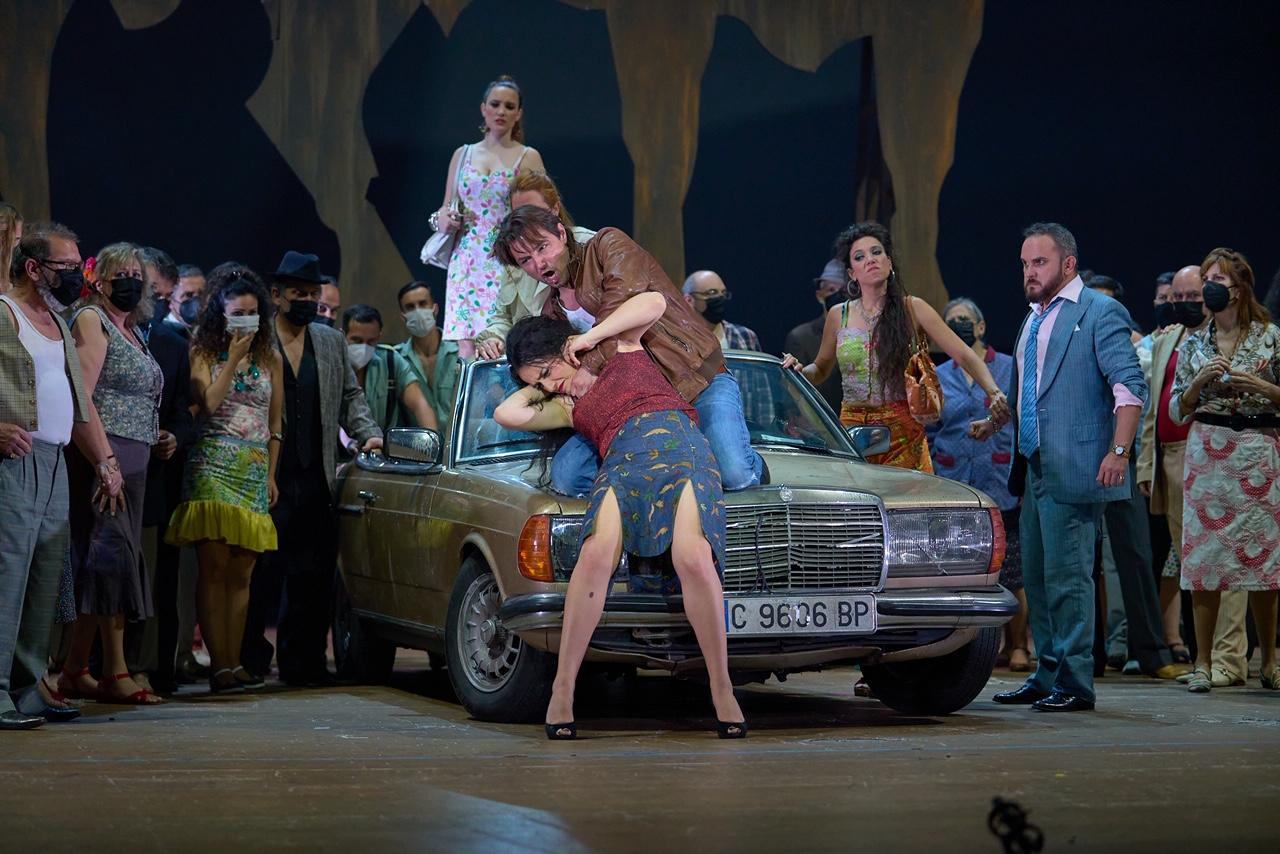 """Un momento de """"Carmen"""" en el Teatro Maestranza de Sevilla © Guillermo Mendo"""