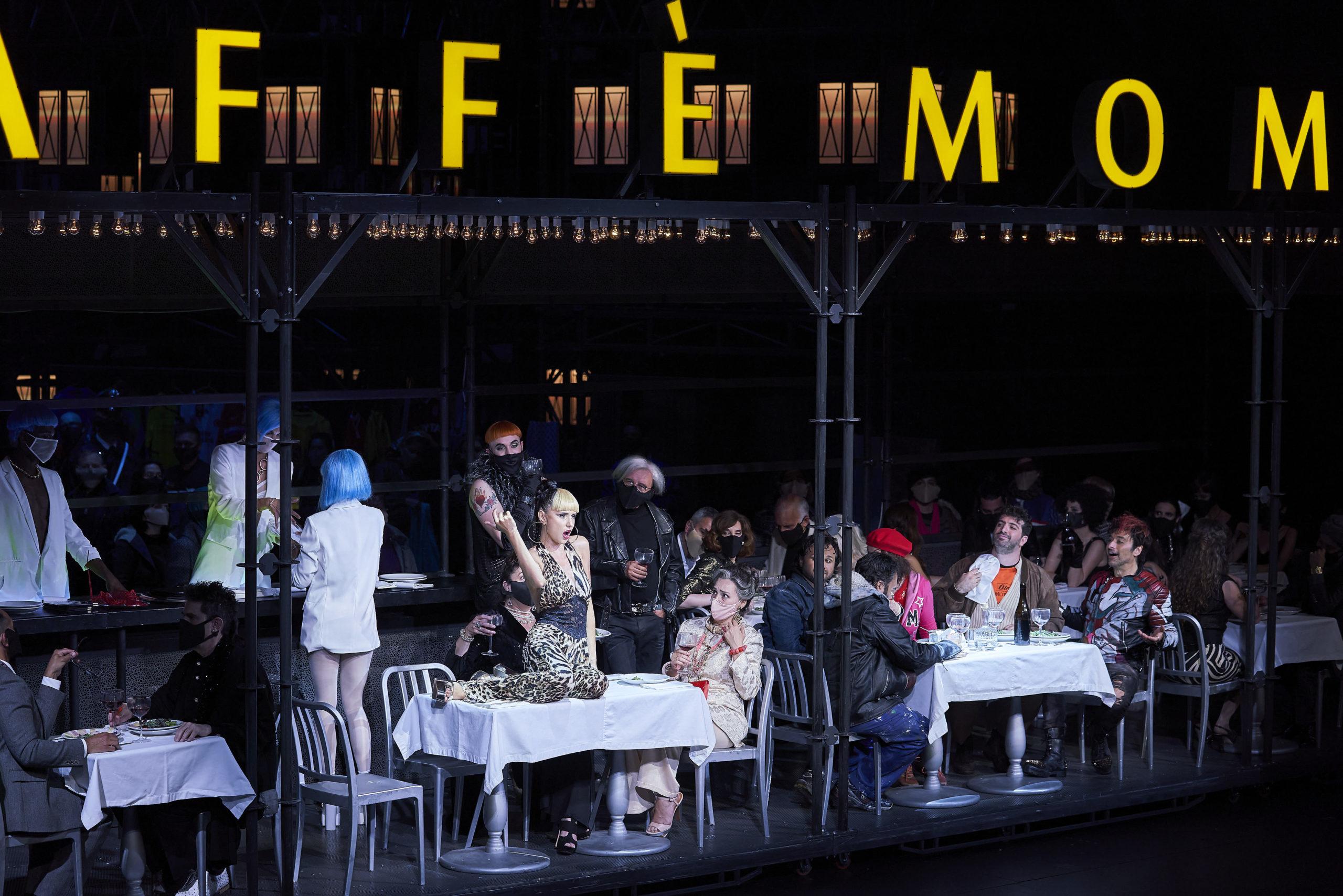 La Bohème en el Liceu. Musetta (Valentina Nafortina) en el Café Momus. ©David Ruano