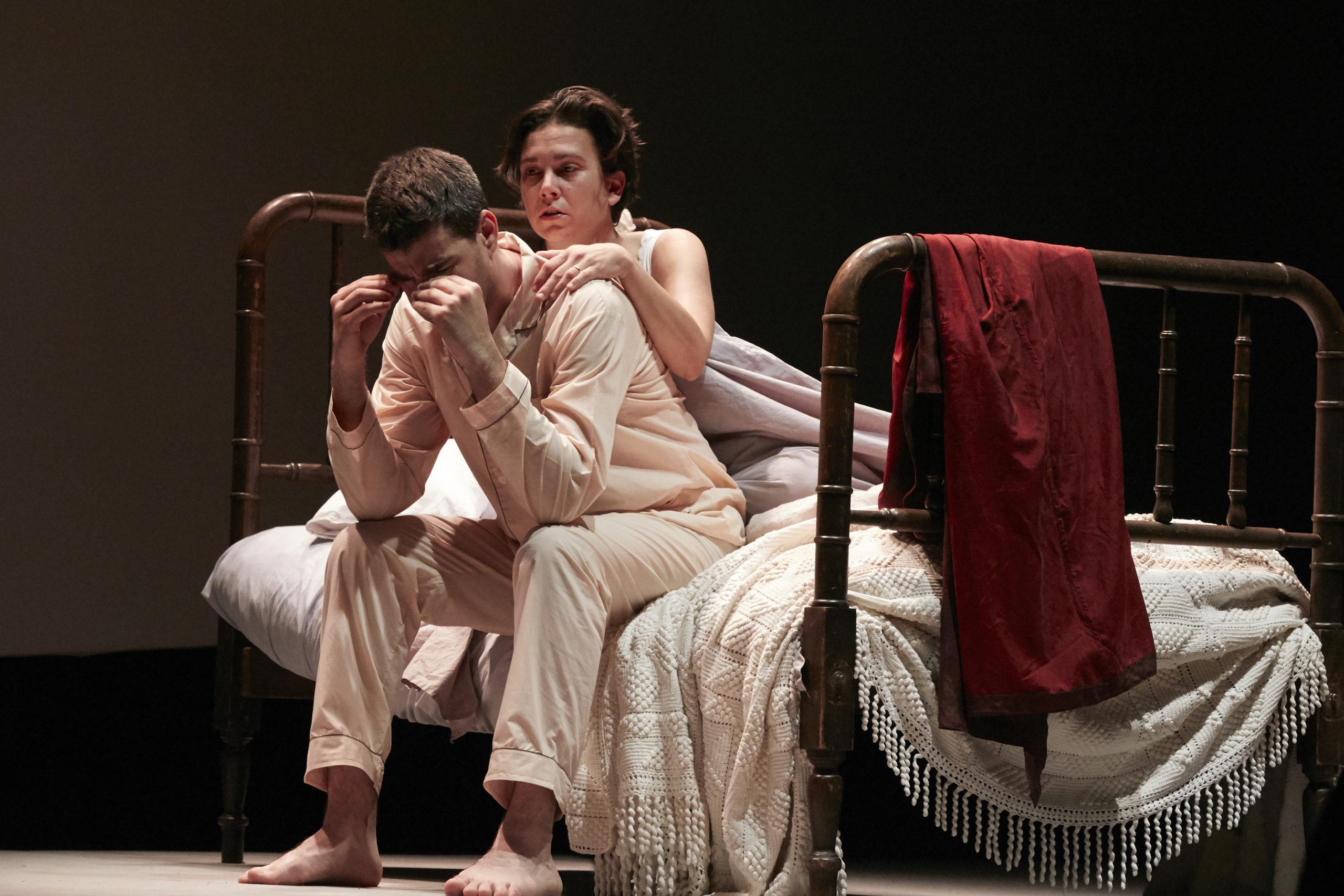 """Isaac Galán y Anna Brull en """"Tránsito"""", la ópera de Jesús Torres. © Jesús Ugalde"""