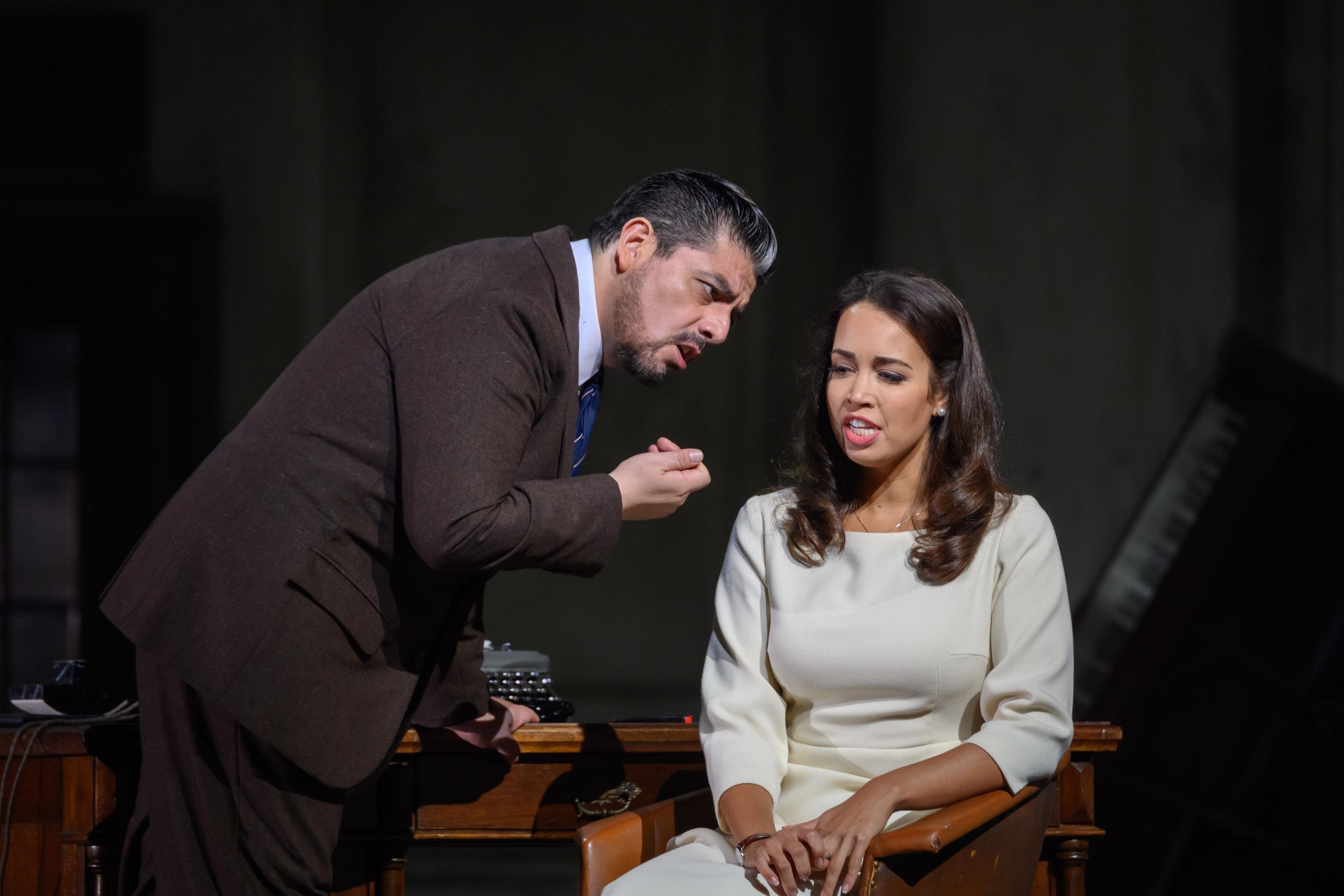 Alfredo Daza como Enrico Ashton (Lucia di Lammermoor) en Barcelona junto a la soprano Nadine Sierra ©A Bofill